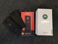 Moto Z Play Phone - Boxed, Charger, Dox, Style cover & 2 Moto Mods ***UNLOCKED***