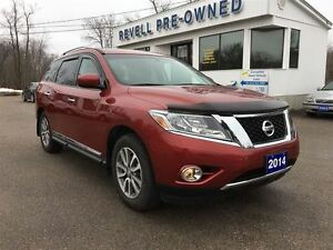 2014 Nissan Pathfinder SL 4WD - 1-owner, Only 18K, Moonroof, Hea