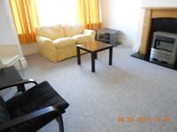 One bedroom furnished flat in centre of Roundhay
