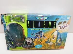 Aliens Micro Machines by Galoob TRANSFORMING ACTION SET with Derelict Ship #2