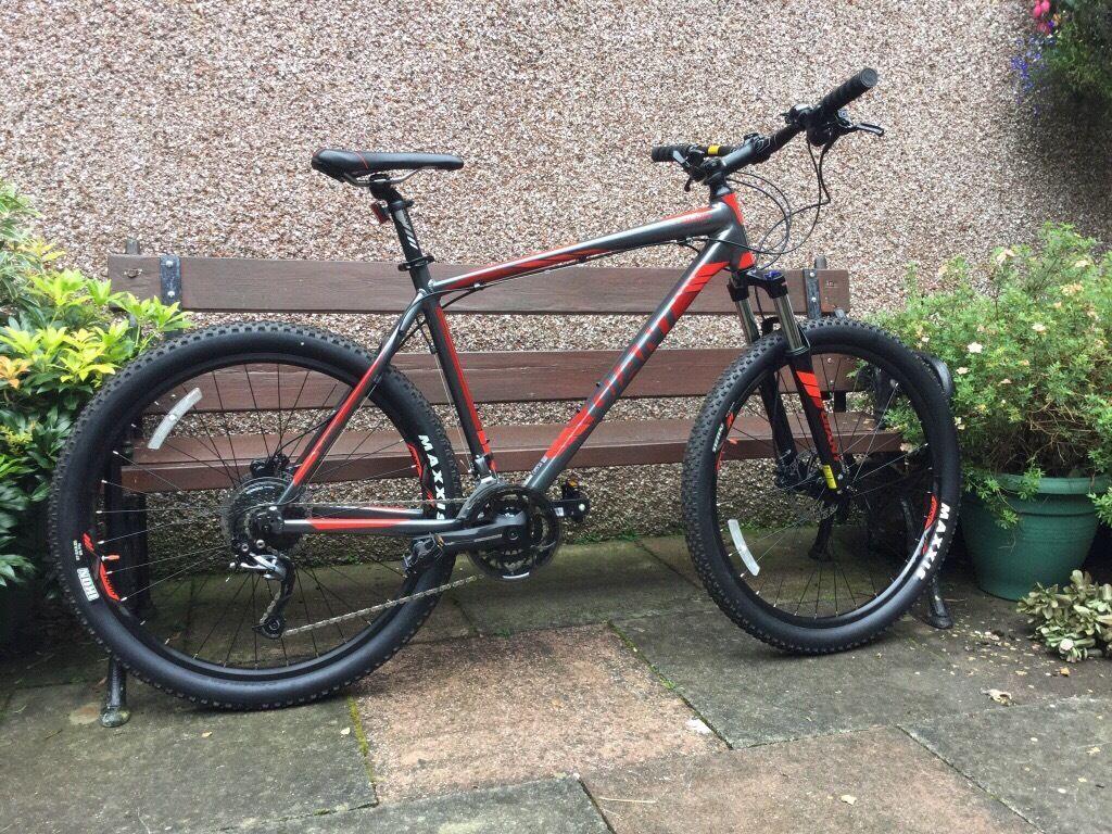 Brand new giant mountain bike talon 3 275 inch wheels XL