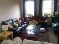 Holiday / Festival : Double Room on Pleasance (available immediately)