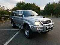 Mitsubishi L200 warrior 2.5 diesel manual with full service history MOT in very clean
