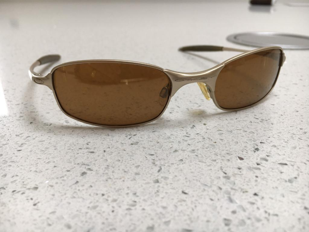 f35b801289 óculos Vintage Oakley Square Wire 2.0 - Bitterroot Public Library