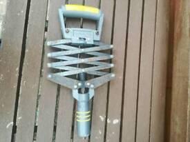 Beargrip lazy tong rivet gun