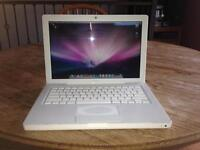 WHITE MACBOOK, MINT CONDITION, 300$ OR BEST OFFER!!
