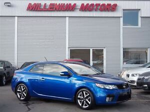 2010 Kia FORTE KOUP 2.4L SX / 6-SPEED / LEATHER / SUNROOF / MUST