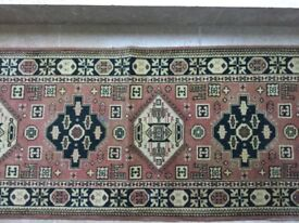 Traditional wool runner