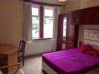 Nice Double Bedroom In Finchley Road, Temple Fortune NW11 - All Bills Included
