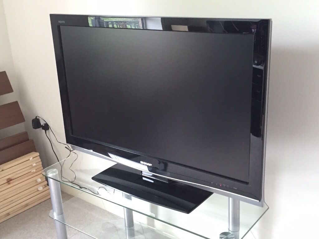 sharp aquos lc42xd1e 42 1080p hd lcd television stand in london gumtree. Black Bedroom Furniture Sets. Home Design Ideas