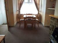 A spacious 2 bed house available in Harehills, leeds £490.00pm