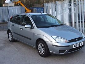 FORD FOCUS CL 5 Door 1.4Ltr Mot September 2017 with S/History (14 stamps in book)