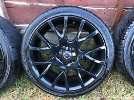 "Volvo 18"" Medusa Alloy Wheels in Black with tyres"