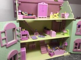 Dolls House REDUCED ****