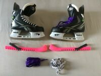 Reebok 9K Pump, Ice Hockey Skates - EUR 40 with guards + spare laces.