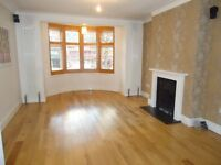 Stunning 4 double bedroomed end of terraced house. Set within 7 minutes walk(approx)of Muswell Hill