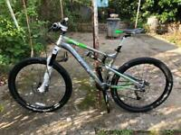 Nearly New Boardman Pro Full suspension mountain bike paid £1600 new delivery available