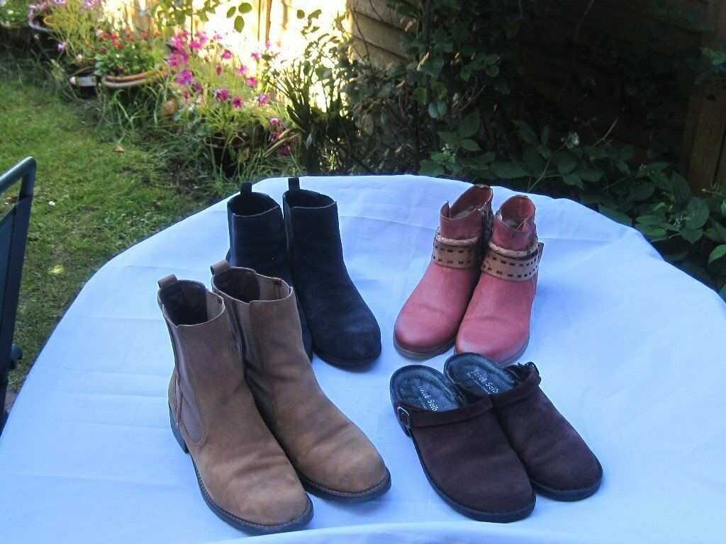 womens boots x4 size 7 8 job lotin Honiton, DevonGumtree - dark blue m & s boots size 7 1/2 footglove wider fit leather upper £10 clarks orinoco brown boots size 8 worn but in good condition £10 mjus red boots size 7 leather never worn in very good condition £20 joseph Seibel wine coloured clogs size 8...