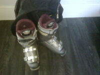 Ski boots by lange (size 7)