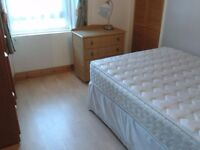 Big double room in the city centre, just next to Union street, excellent condition
