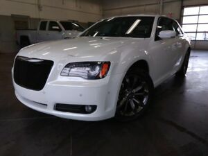 2014 Chrysler 300 WOW!/300S/AWD/TOIT PANORAMIQUE/NAV/IMPECCABLE!