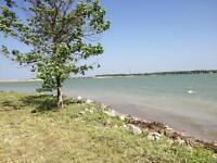 Lakefront lots, canal lots, golf course lots on Lake Manitoba
