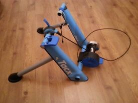 Tacx Turbo Trainer (Like New) Train for next summer at home