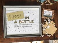 Wedding signs: message in a bottle, blanket & photo props