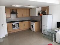 2 Bed Flat To Rent Crystal Palace SE25
