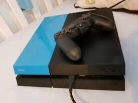 PlayStation 4 500GB + 2 Games