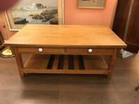 Oak coffee table with drawers on each side, excellent condition