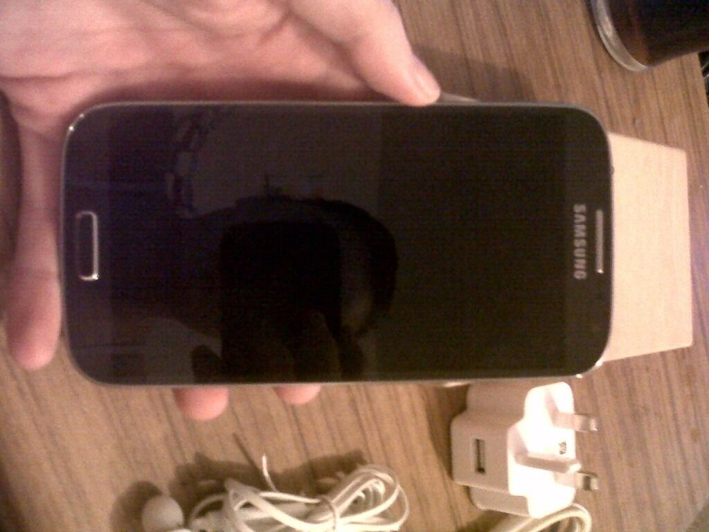 Samsung s4 Mint condition EEin Sheldon, West MidlandsGumtree - SamsunG S4 Black Mint condition apart from little mark by charging port Box charger Headphones ( never been used) Looking for 120 ono NEED GONE ASAP!