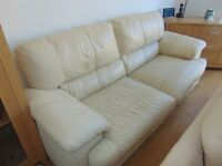 cream leather 3 & 2 seater suite great condition