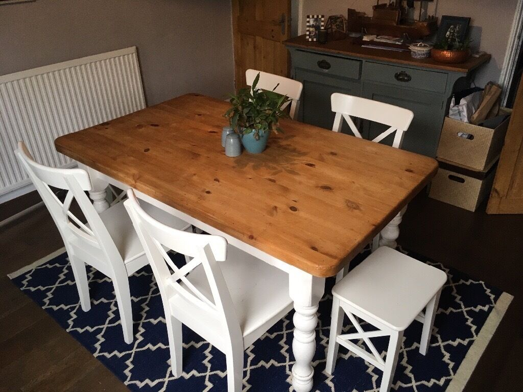 farmhouse vintage style painted pine dining room table with 4 ikea 39 ingolf 39 chairs 2 stools. Black Bedroom Furniture Sets. Home Design Ideas