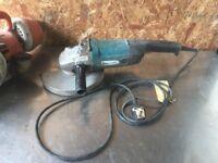 Makita 240v 230mm Grinder / Disc Cutter- DELIVERY OR COLLECTION