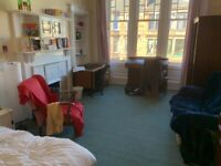 Perfectly located 4 bedroom HMO flat only minutes from Byres Rd