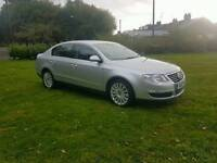 2010 VW PASSAT 2.0 TDI IN SILVER, WITH BLACK LEATHER HEATED INTERIOR, SAT NAV,