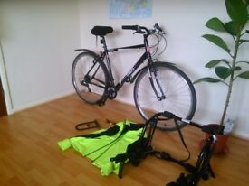 Hybrid Bicycle + Bike carrier + accesories