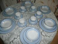 Doulton 30 Piece Bruce Oldfield Design Blue/White with Gold Trim Dinner Set