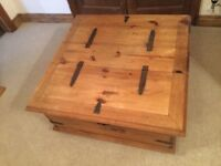 Chest with storage. Pine