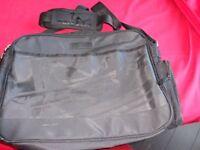 Laptop type bag/holdall