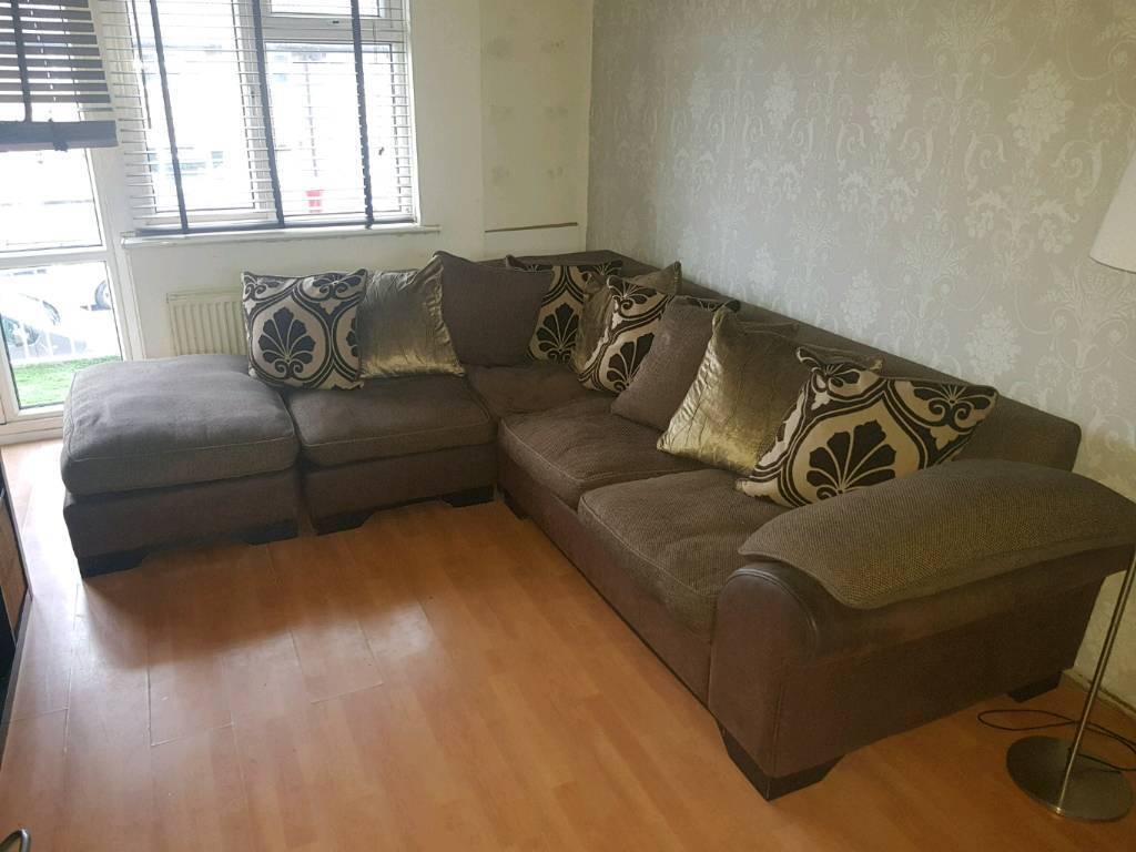 Corner sofa + pouffe