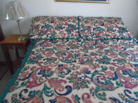 LUXURY QUILTED DOUBLE BEDSPREAD & CURTAINS