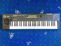 Roland XP-30 Expandable Synthesiser / Keyboard (WITH FLIGHTCASE)