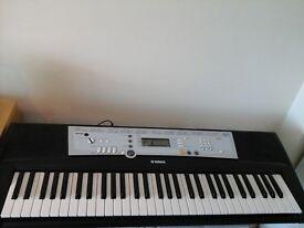 Yamaha Keyboard YPT 200