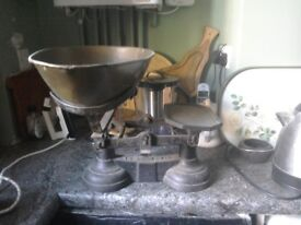 ANTIQUE/VINTAGE GREENGROCER'S SCALES - OPEN TO OFFERS