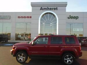 2016 Jeep Patriot NORTH 4X4 only $144* Bi-weekly