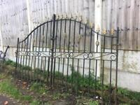 Set of 9ft Wide arched arrow head Driveway Gates / Wrought Iron / metal gates can deliver