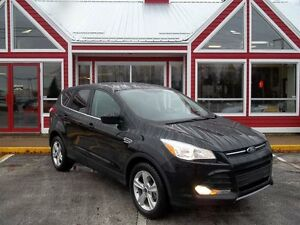 2015 Ford Escape SE 4WD!! HEATED SEATS!! AIR! CRUISE!! ALLOYS!!