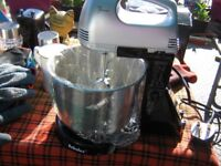 handmixer with stand and bowl.